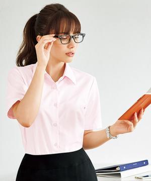 事務服用ユニフォームの通販の【事務服デポ】【4色】半袖ブラウス(UVカット・透け防止・防汚加工)